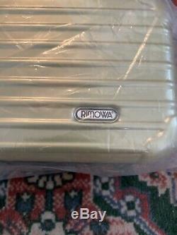Brand New Eva Air Rimowa Amenity Kit Royal Laurel (business) Classe Sealed
