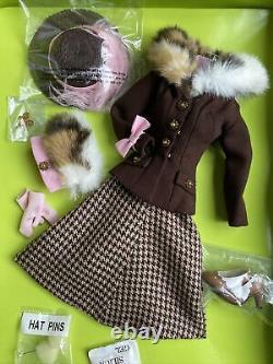 Dae Original Vivian The Miniquin Business Call Outfit Convient À La Plupart Des 16 Poupées