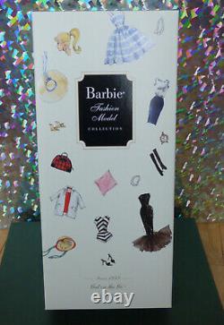 Nrfb Gal On The Go Silkstone Barbie 2009 Tenue Inspirée Par Vintage Busy Gal