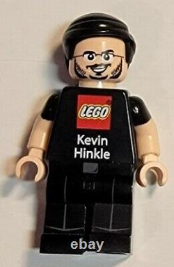 Rare Lego Carte D'entreprise Des Employés Kevin Hinkle Noir Tenue Flesh Ton Minifig